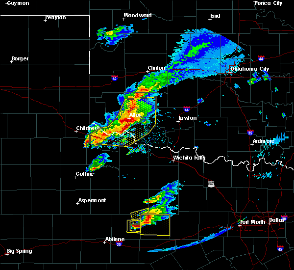 Radar Image for Severe Thunderstorms near Chillicothe, TX at 4/11/2020 7:46 PM CDT
