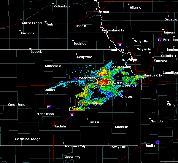 Radar Image for Severe Thunderstorms near Winchester, KS at 4/11/2020 7:59 PM CDT
