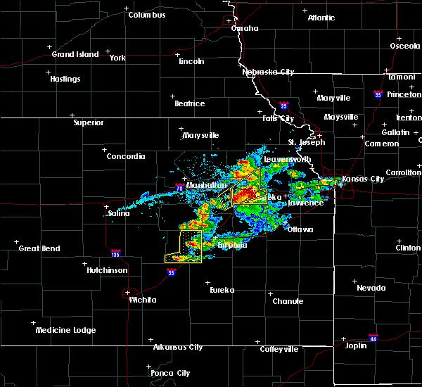 Radar Image for Severe Thunderstorms near Strong City, KS at 4/11/2020 7:59 PM CDT