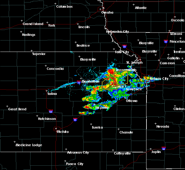 Radar Image for Severe Thunderstorms near Denison, KS at 4/11/2020 8:07 PM CDT
