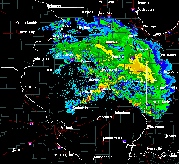 Radar Image for Severe Thunderstorms near Blue Mound, IL at 4/11/2020 8:09 PM CDT
