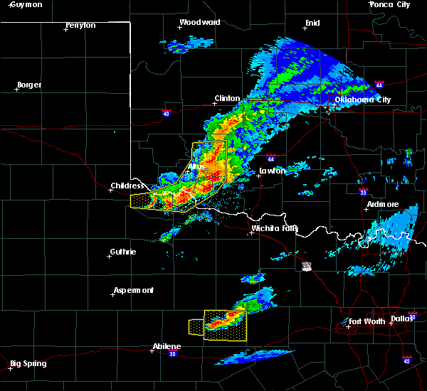 Radar Image for Severe Thunderstorms near Chillicothe, TX at 4/11/2020 8:15 PM CDT