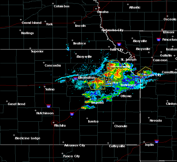 Radar Image for Severe Thunderstorms near Denison, KS at 4/11/2020 8:24 PM CDT