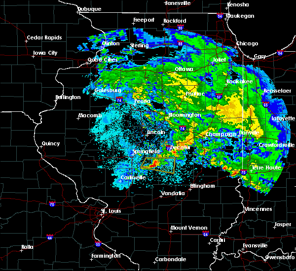 Radar Image for Severe Thunderstorms near Blue Mound, IL at 4/11/2020 8:29 PM CDT
