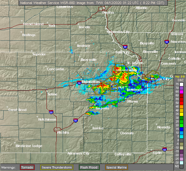 Radar Image for Severe Thunderstorms near Hoyt, KS at 4/11/2020 8:30 PM CDT