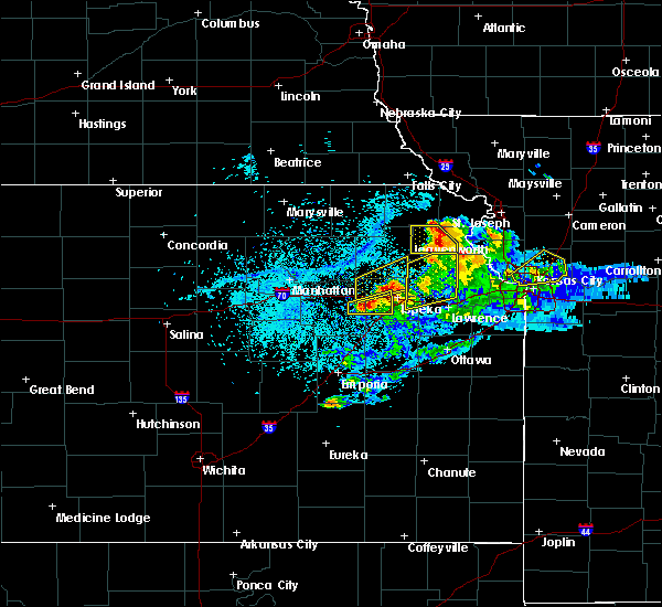 Radar Image for Severe Thunderstorms near Severance, KS at 4/11/2020 8:47 PM CDT