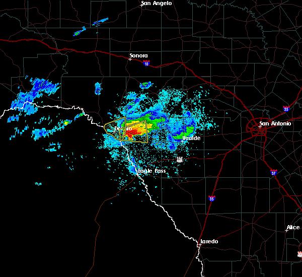 Radar Image for Severe Thunderstorms near Brackettville, TX at 4/11/2020 8:49 PM CDT