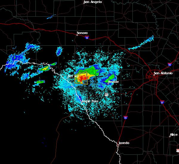 Radar Image for Severe Thunderstorms near Brackettville, TX at 4/11/2020 9:01 PM CDT