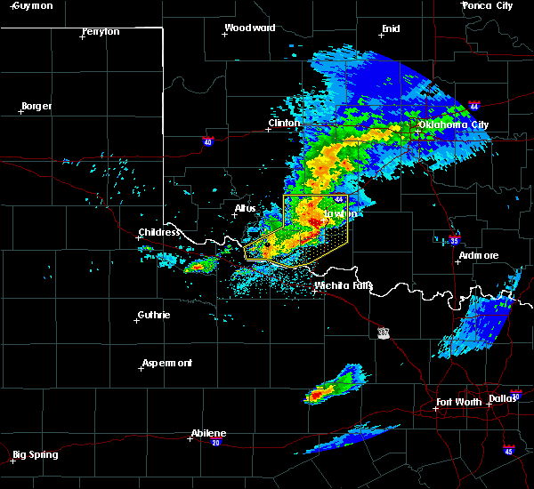 Radar Image for Severe Thunderstorms near Medicine Park, OK at 4/11/2020 9:05 PM CDT