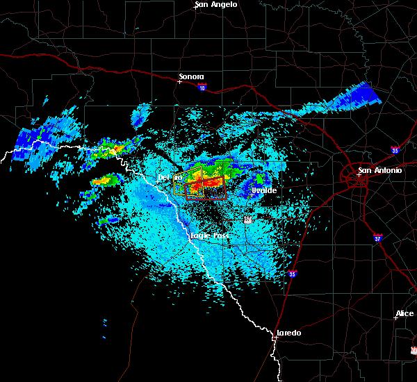 Radar Image for Severe Thunderstorms near Brackettville, TX at 4/11/2020 9:17 PM CDT