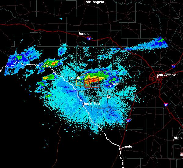 Radar Image for Severe Thunderstorms near Brackettville, TX at 4/11/2020 9:26 PM CDT