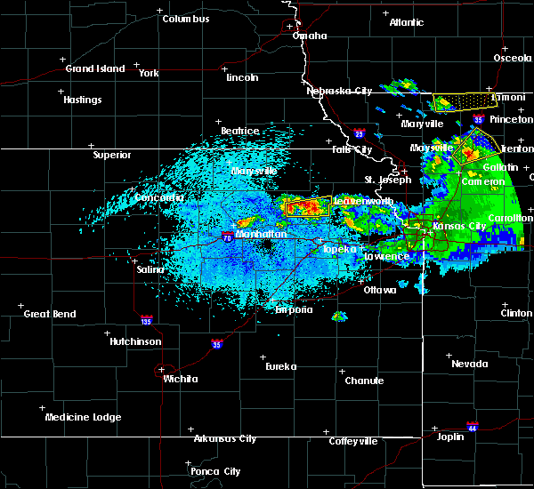 Radar Image for Severe Thunderstorms near Denison, KS at 4/11/2020 10:03 PM CDT