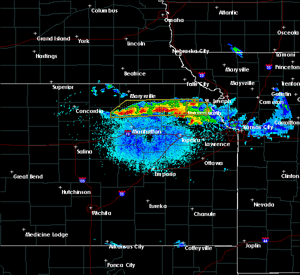Radar Image for Severe Thunderstorms near Olsburg, KS at 4/11/2020 11:00 PM CDT