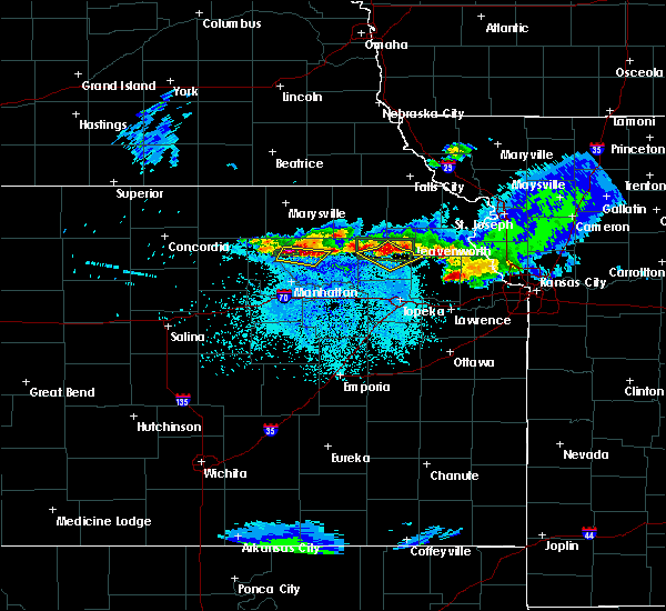 Radar Image for Severe Thunderstorms near Denison, KS at 4/11/2020 11:48 PM CDT