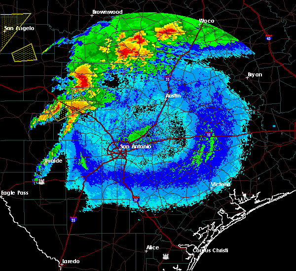 Radar Image for Severe Thunderstorms near Stonewall, TX at 4/12/2020 3:47 AM CDT