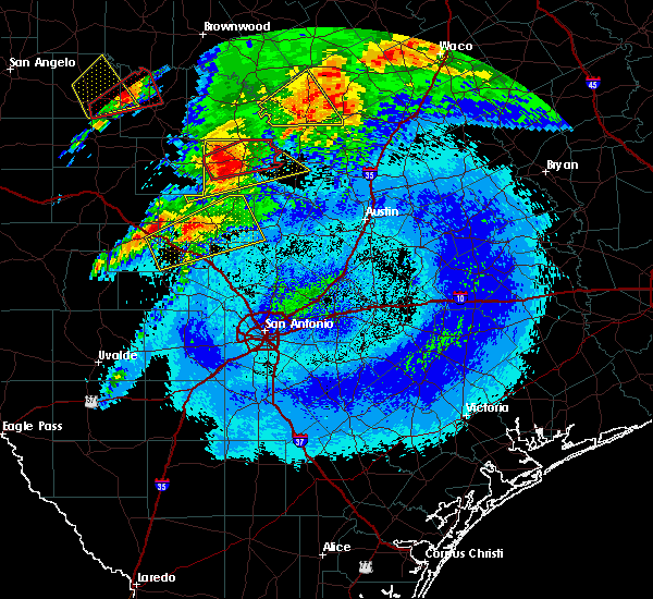 Radar Image for Severe Thunderstorms near Stonewall, TX at 4/12/2020 4:11 AM CDT