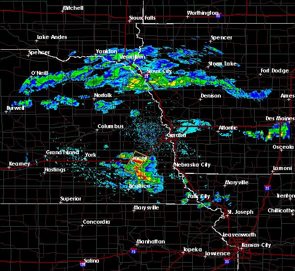 Radar Image for Severe Thunderstorms near Lincoln, NE at 4/12/2020 5:08 AM CDT