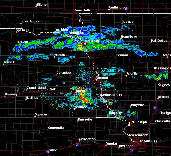 Radar Image for Severe Thunderstorms near Lincoln, NE at 4/12/2020 5:25 AM CDT