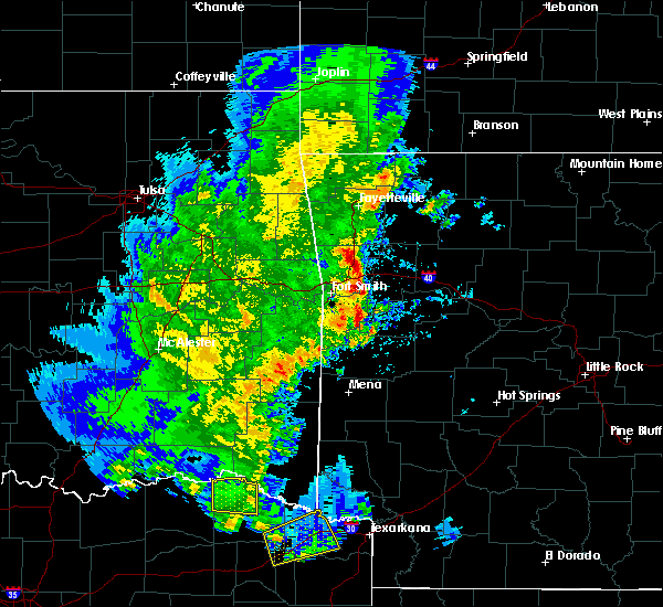 Radar Image for Severe Thunderstorms near Blue Mountain, AR at 4/12/2020 5:47 PM CDT