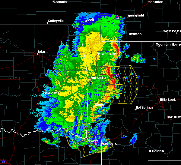 Radar Image for Severe Thunderstorms near De Queen, AR at 4/12/2020 6:27 PM CDT