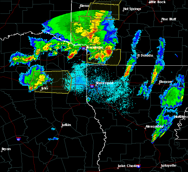Radar Image for Severe Thunderstorms near Rodessa, LA at 4/12/2020 6:58 PM CDT