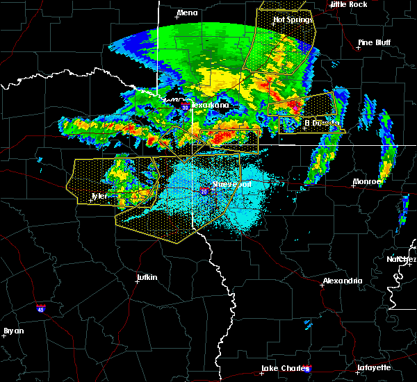 Radar Image for Severe Thunderstorms near Pine Harbor, TX at 4/12/2020 7:39 PM CDT
