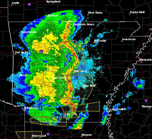 Radar Image for Severe Thunderstorms near Clinton, AR at 4/12/2020 8:05 PM CDT