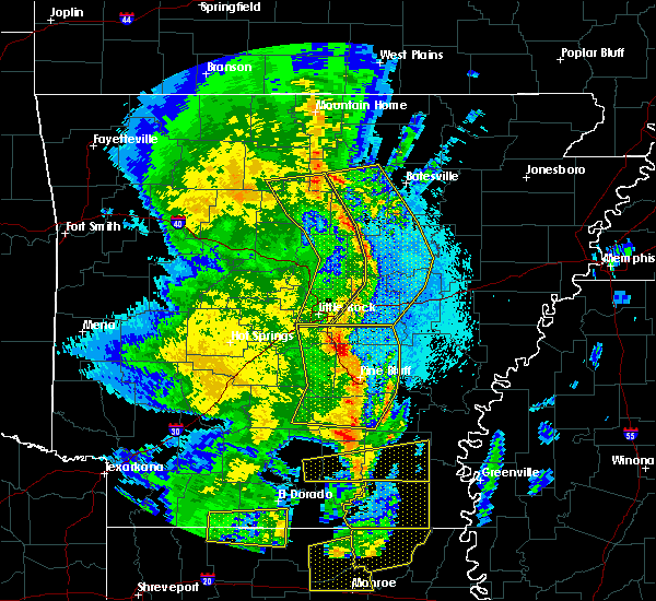 Radar Image for Severe Thunderstorms near Tumbling Shoals, AR at 4/12/2020 8:40 PM CDT
