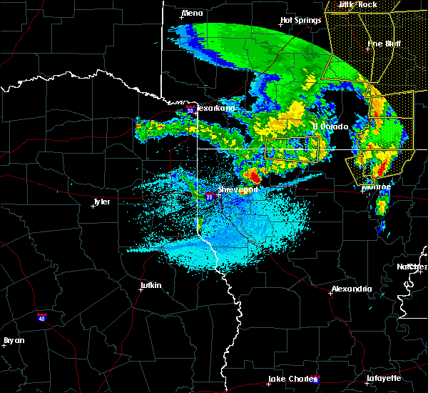 Radar Image for Severe Thunderstorms near Bryceland, LA at 4/12/2020 8:40 PM CDT