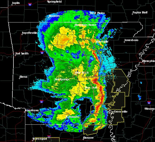 Radar Image for Severe Thunderstorms near Elaine, AR at 4/12/2020 9:01 PM CDT