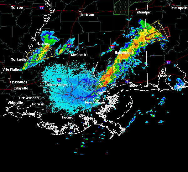 Radar Image for Severe Thunderstorms near Picayune, MS at 4/12/2020 9:11 PM CDT