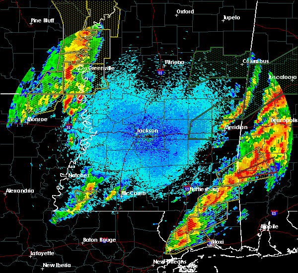 Radar Image for Severe Thunderstorms near Eudora, AR at 4/12/2020 9:15 PM CDT