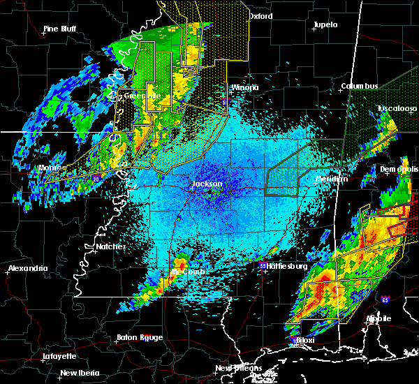Radar Image for Severe Thunderstorms near Epps, LA at 4/12/2020 9:55 PM CDT