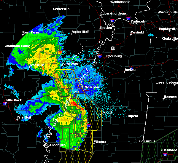 Radar Image for Severe Thunderstorms near Senatobia, MS at 4/12/2020 10:06 PM CDT