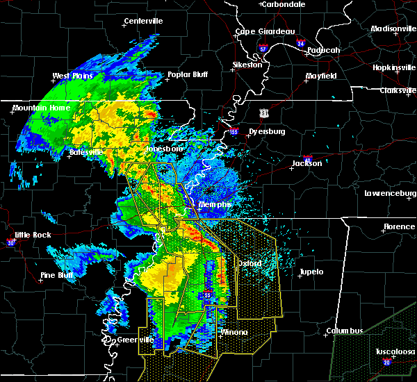 Radar Image for Severe Thunderstorms near Blytheville, AR at 4/12/2020 10:20 PM CDT