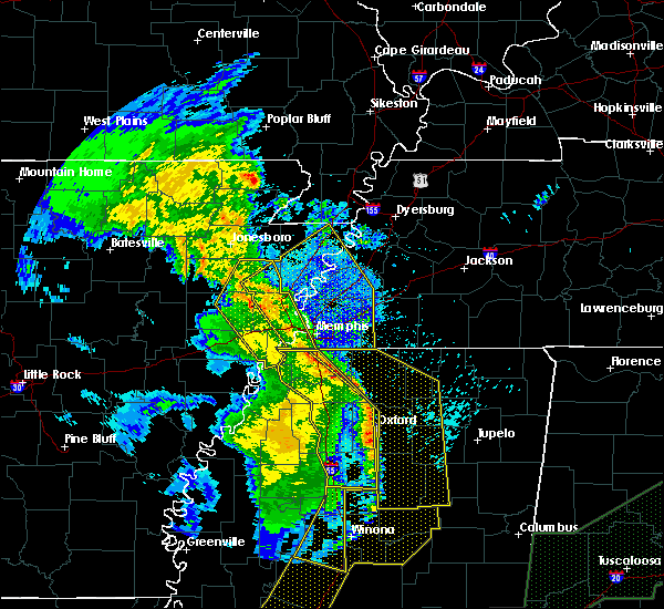 Radar Image for Severe Thunderstorms near Blytheville, AR at 4/12/2020 10:53 PM CDT