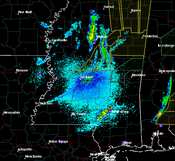 Radar Image for Severe Thunderstorms near Pearl River, MS at 4/12/2020 11:04 PM CDT