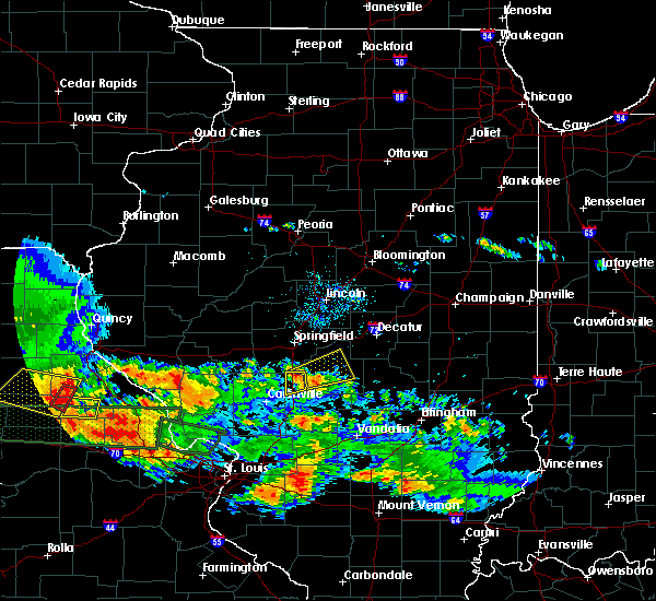 Radar Image for Severe Thunderstorms near Taylorville, IL at 6/25/2015 8:16 PM CDT