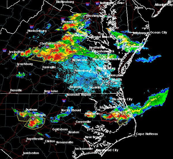 Radar Image for Severe Thunderstorms near Manchester, VA at 6/25/2015 9:17 PM EDT