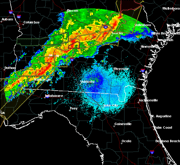 Radar Image for Severe Thunderstorms near Sylvester, GA at 4/13/2020 5:11 AM EDT