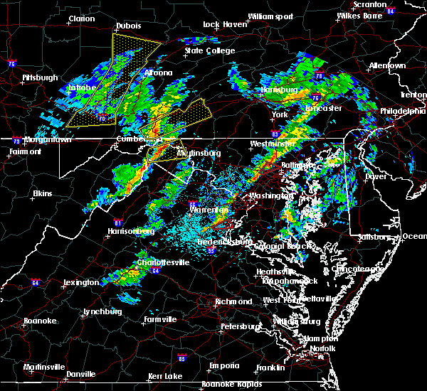 Radar Image for Severe Thunderstorms near Shawneeland, VA at 4/13/2020 12:30 PM EDT