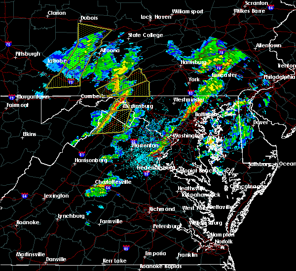 Radar Image for Severe Thunderstorms near Shawneeland, VA at 4/13/2020 12:39 PM EDT