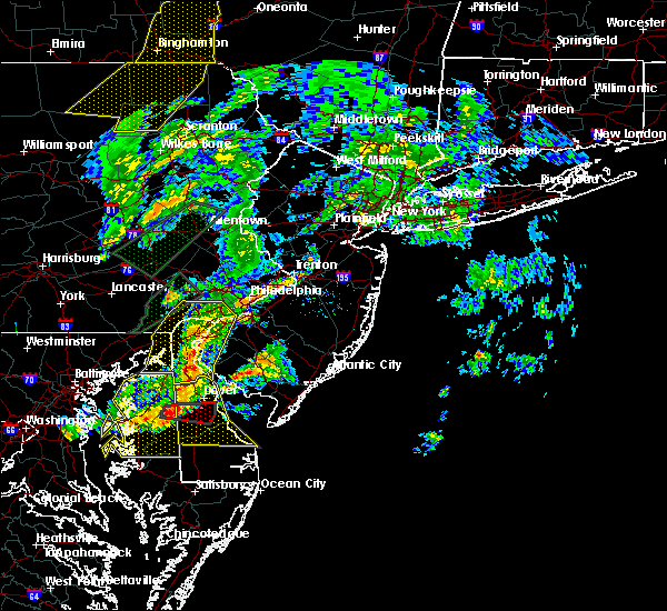 Radar Image for Severe Thunderstorms near Clayton, NJ at 4/13/2020 3:43 PM EDT