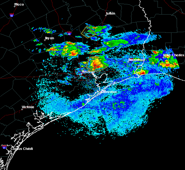Radar Image for Severe Thunderstorms near Liberty, TX at 4/18/2020 5:30 PM CDT