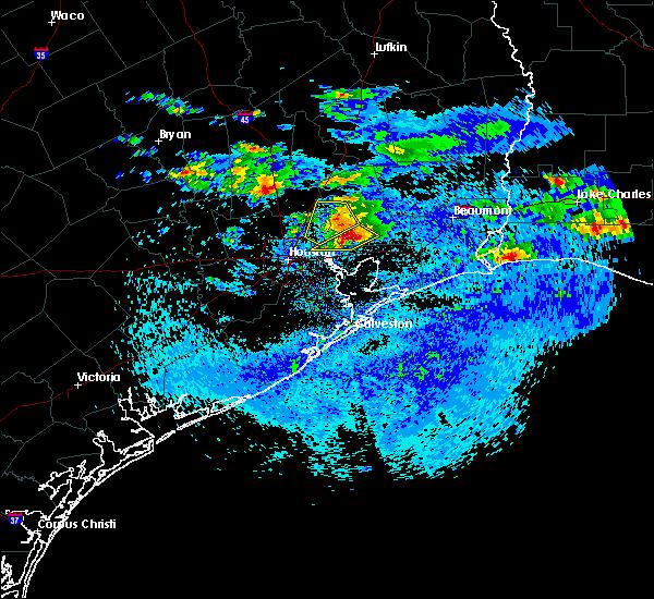 Radar Image for Severe Thunderstorms near Houston, TX at 4/18/2020 5:43 PM CDT
