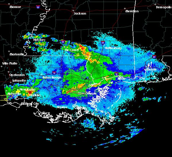 Radar Image for Severe Thunderstorms near Gretna, LA at 4/18/2020 9:47 PM CDT