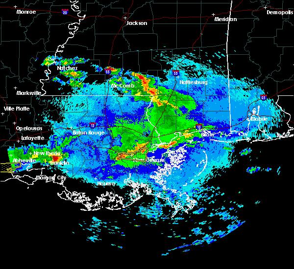 Radar Image for Severe Thunderstorms near Gretna, LA at 4/18/2020 9:57 PM CDT