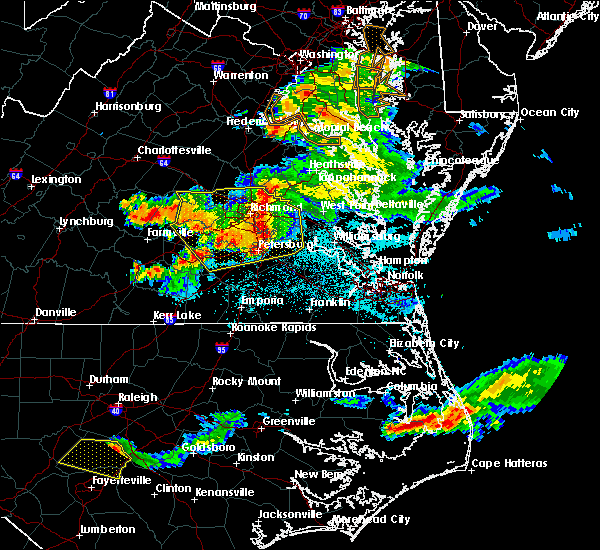 Radar Image for Severe Thunderstorms near Ettrick, VA at 6/25/2015 10:31 PM EDT