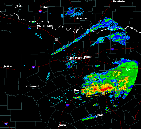Radar Image for Severe Thunderstorms near Teague, TX at 4/19/2020 9:33 AM CDT
