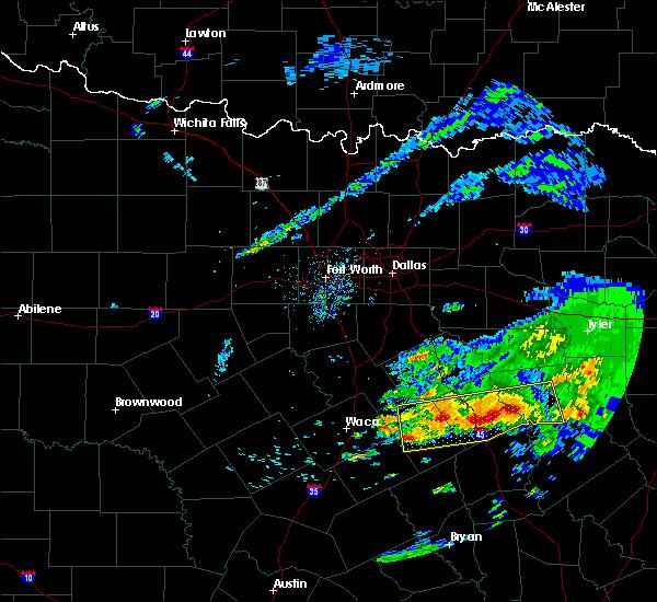 Radar Image for Severe Thunderstorms near Fairfield, TX at 4/19/2020 9:33 AM CDT